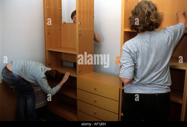 Shelves diy stock photos shelves diy stock images alamy - Diy tips assembling flat pack furniture ...