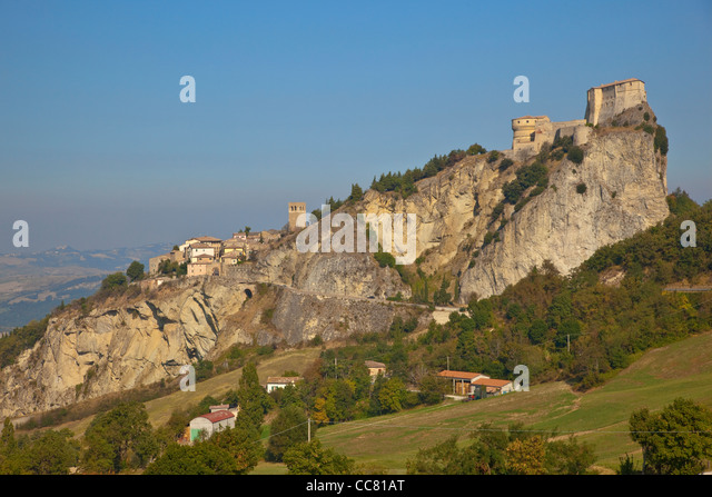 San Leo, a medieval village with castle, built on rocky crag, Emilia-Romagna, Italy, AGPix_1993 - Stock-Bilder