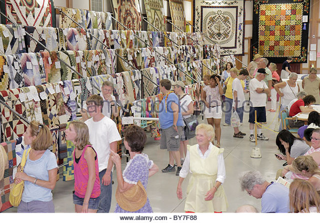 Pennsylvania Kutztown Kutztown Folk Festival Pennsylvania Dutch folklife tradition arts and crafts quilt sale and - Stock Image