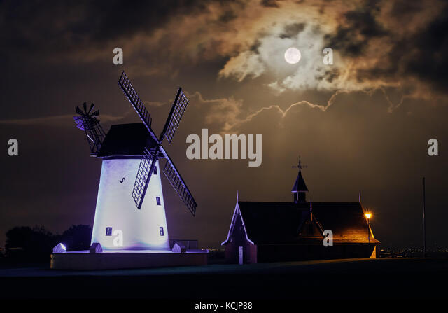 Lytham St Annes, UK. 5th October, 2017. The full harvest moon rises over the White Windmill in Lytham St Annes, - Stock Image