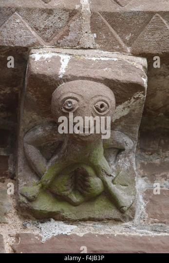 Sheela-na-gig Corbel, Kilpeck Church, Herefordshire, England - Stock Image