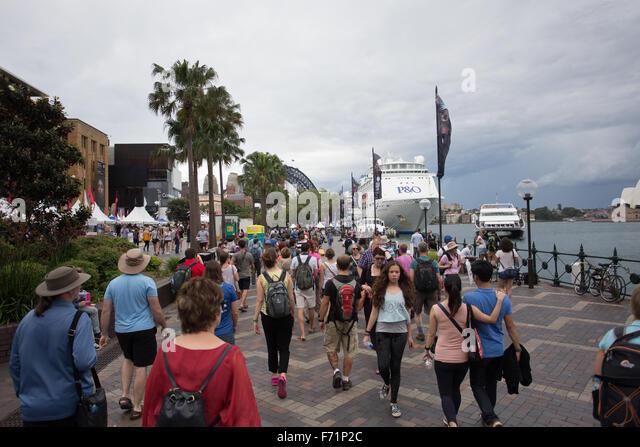 Sydney circular quay people crowd - Stock Image