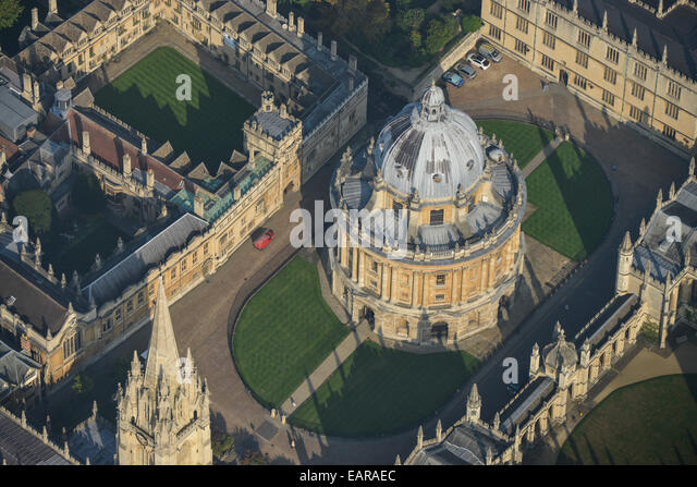 An aerial view of the Radcliffe Camera, a library at Oxford University - Stock Image