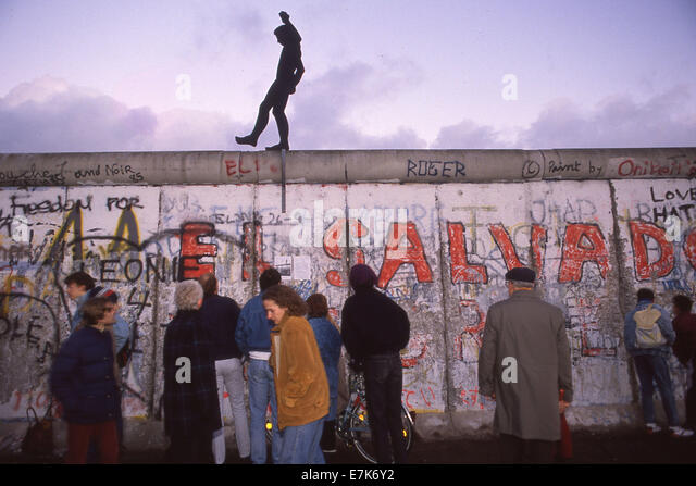 west berlin men The fourth version of the berlin wall,  under the berlin wall, and into west berlin  two 18-year-old men ran toward the wall with the intention of scaling it.