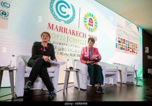 Marrakech, Morocco. 15th Nov, 2016. The German Federal Minister of the Environment Barbara Hendricks (R) and the - Stock Image
