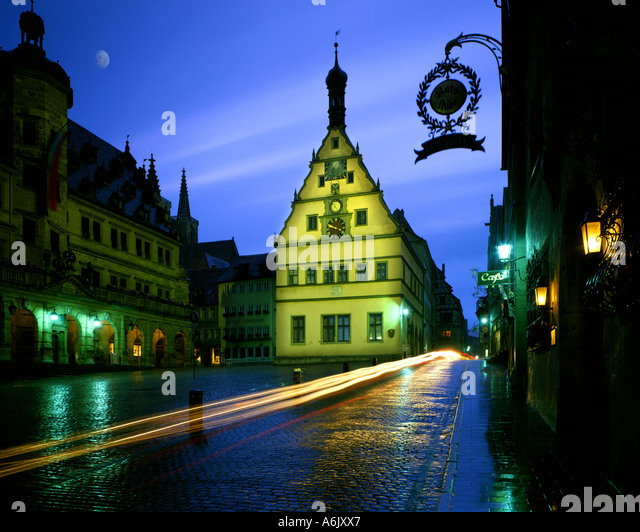 DE - BAVARIA:  The historic Townhall at Rothenburg-ob-der-Tauber - Stock Image