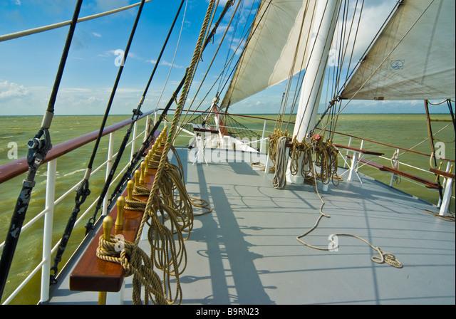 tallship sailing sails stock photos amp tallship sailing