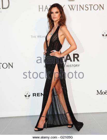 epa05317541 Brazilian model Alessandra Ambrosio attends the Cinema Against AIDS amfAR gala 2016 held at the Hotel - Stock Image