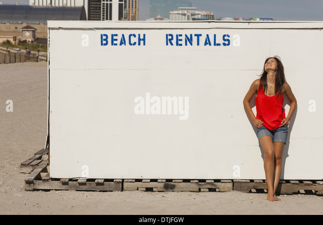 atlantic beach women Atlantic beach women's clothing at up to 90% of retail price discover over 25,000 brands of hugely discounted clothes, handbags, shoes and accessories at thredup.