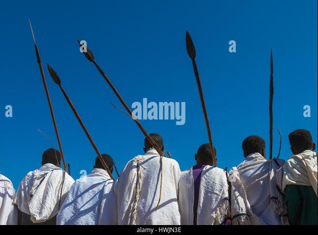 Borana tribe men with their ororo sticks during the Gada system ceremony, Oromia, Yabelo, Ethiopia - Stock-Bilder