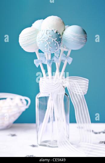 Wedding cake pops - Stock Image