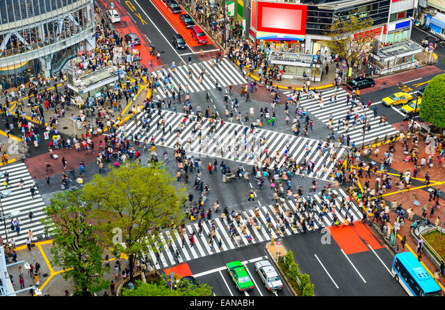 Tokyo, Japan view of Shibuya Crossing, one of the busiest crosswalks in the world. - Stock-Bilder