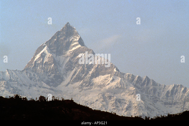 PICTURE CREDIT DOUG BLANE Machapuchare fish tail mountain in the Annapurna Range Himalayan Kingdom of Nepal - Stock Image