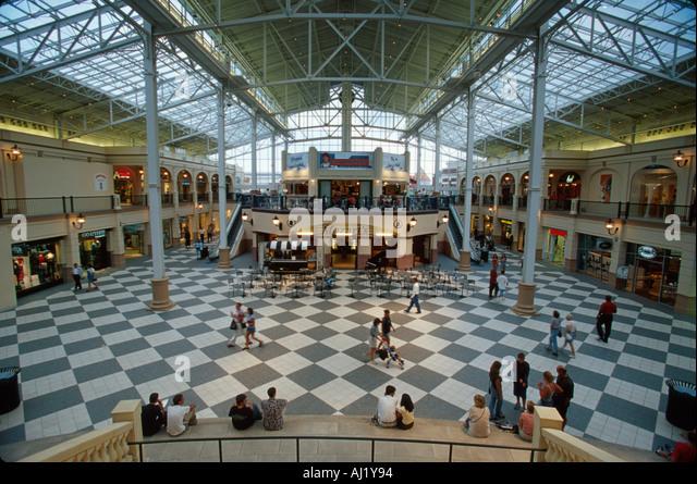 Ohio Columbus Easton Town Center shopping mall with small town theme - Stock Image