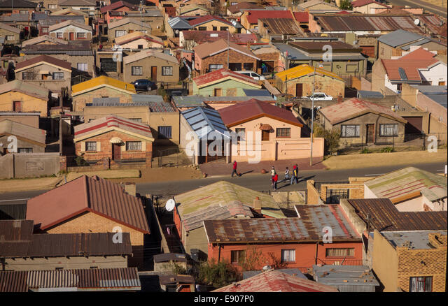 SOWETO, JOHANNESBURG, SOUTH AFRICA - View of Jabulani neighborhood in Soweto township. - Stock-Bilder