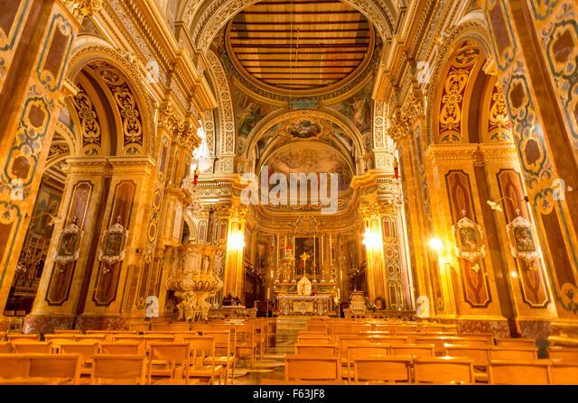 Inside the onyx-filled St Mary's Church at i?-?ebbu?, Gozo - Stock-Bilder