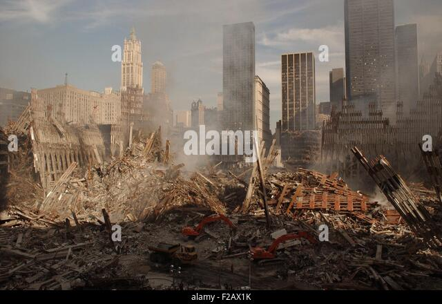 Wide view of the ruins of the World Trade Center complex in New York City, Sept. 18, 2001. At left is the pile and - Stock-Bilder