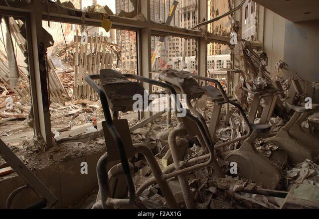 A health club in World Financial Center 2 after the 9-11 attacks, Sept. 18, 2001. It was across the West Side Highway - Stock-Bilder