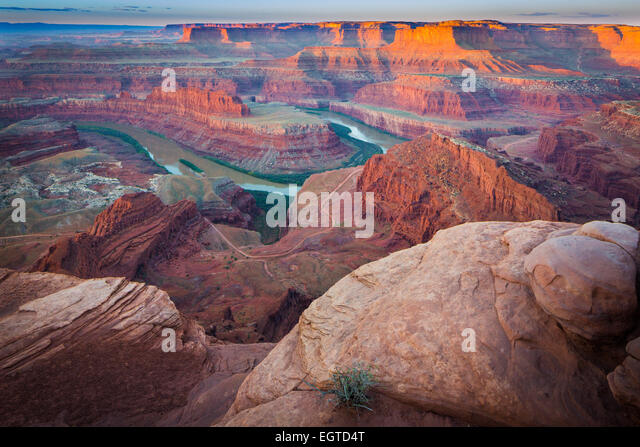 Dead Horse Point State Park in Utah features a dramatic overlook of the Colorado River and Canyonlands National - Stock Image