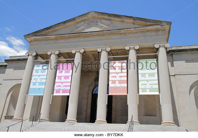 Baltimore Maryland Wyman Park Baltimore Museum of Art Neoclassical architecture banner free admission entrance steps - Stock Image