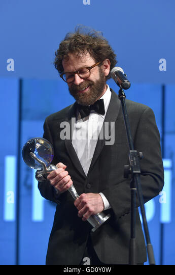 Karlovy Vary, Czech Republic. 09th July, 2016. Awarded U.S. scriptwriter Charlie Kaufman received the President's - Stock-Bilder