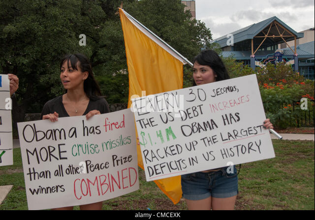 17 July 2012 San Antonio, Texas, USA - Women from 'We Are Change' protest in front of the Convention Center - Stock Image
