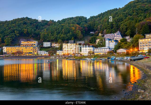 Kawaguchi, Japan lakeside hotels. - Stock-Bilder