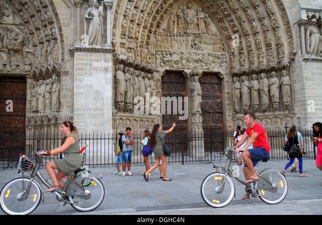 Paris France Europe French 4th arrondissement Île de la Cité Place Jean-Paul II Notre Dame Cathedral exterior - Stock Image