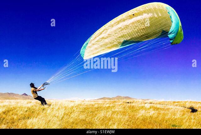 Windy spring kite weather - Stock-Bilder