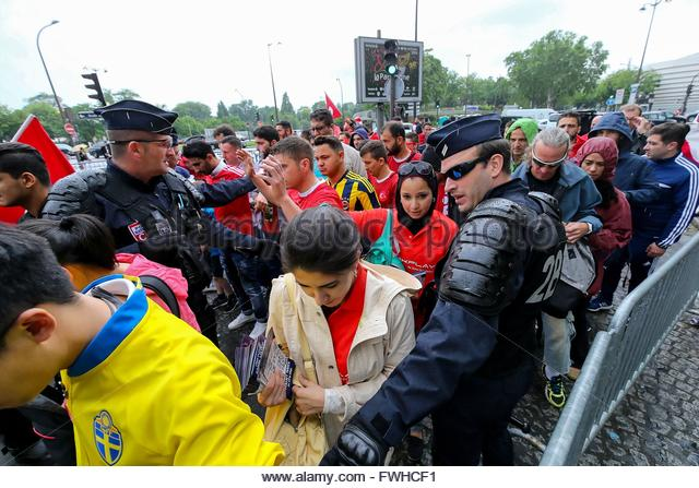 Paris,France. June 12nd, 2016. FRANCE, Paris: Police officers manage supporters at the entrance of Parc des Princes - Stock Image