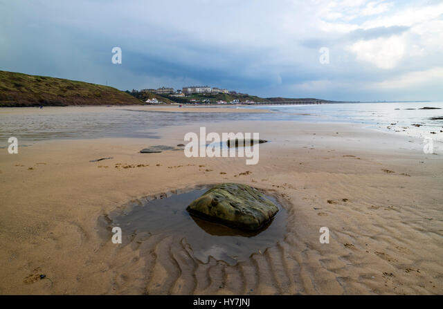 Saltburn-by-the-Sea, Cleveland, UK.  Saturday 1st April 2017. UK Weather.  Heavy April showers and thunderstorms - Stock Image