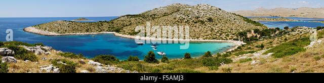 Panoramic view of Lojena bay and beach on Levrnaka island, Kornati archipelago, Dalmatia, Croatia - Stock Image