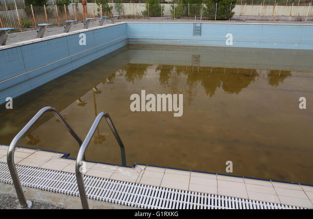 Athens pool stock photos athens pool stock images alamy Olympic swimming pool water temperature