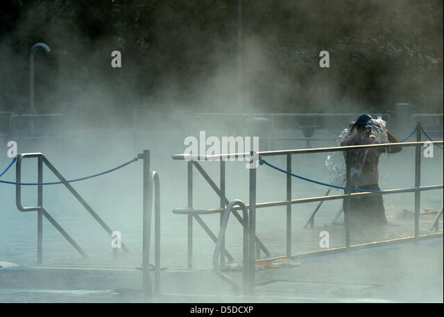 swimming puts stock photos swimming puts stock images alamy. Black Bedroom Furniture Sets. Home Design Ideas