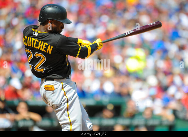 May 29, 2016: Pittsburgh Pirates center fielder Andrew McCutchen #22 during an MLB game between the Pittsburgh Pirates - Stock-Bilder