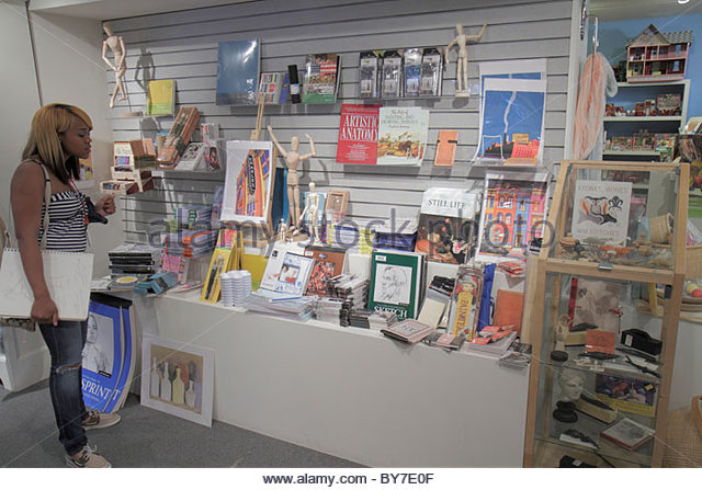 Baltimore Maryland Baltimore Museum of Art Wyman Park shop shopping store merchandise display Black girl student - Stock Image