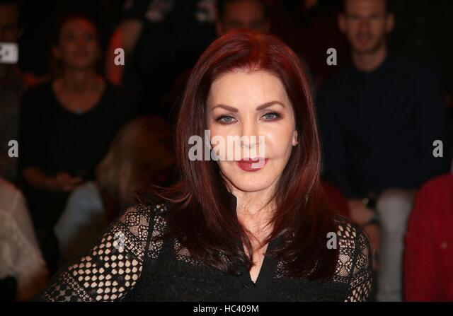 Hamburg, Germany. 06th Dec, 2016. Actress Priscilla Presley as guest in the german talkshow 'Markus Lanz' - Stock Image
