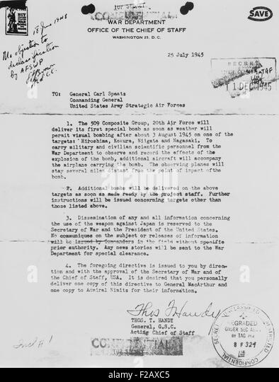 World War 2 letter received from General Thomas Handy to General Carl Spaatz authorizing the dropping of the first - Stock-Bilder