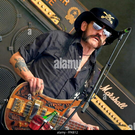 Glastonbury Festival, Somerset, 26th June 2015,  Ian Lemmy Kilmister performing live with Motorhead on the Pyramid - Stock Image