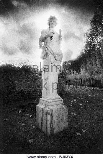 Statue, Palace of Versailles, Isle-De-France, France - Stock-Bilder