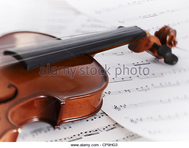 close up,color image,detail,entertainment,horizontal,instrument,music,no people,photography,sheet music,single object,still - Stock-Bilder