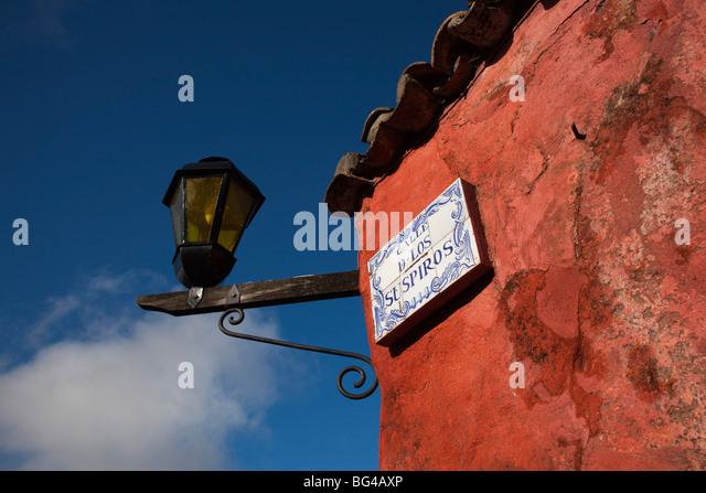 Uruguay, Colonia de Sacramento, Calle de Suspiros, building detail, morning - Stock Image