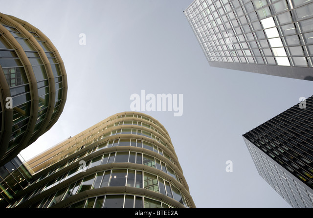 Details of round and angled modern architecture in the Medienhafen in Dusseldorf, Germany. - Stock-Bilder