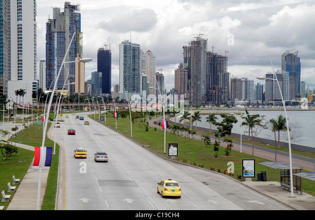 Panama Panama City Cinta Costera Coastal Beltway Bahia de Panama Pacific Ocean Balboa Avenue skyline skyscraper - Stock Image