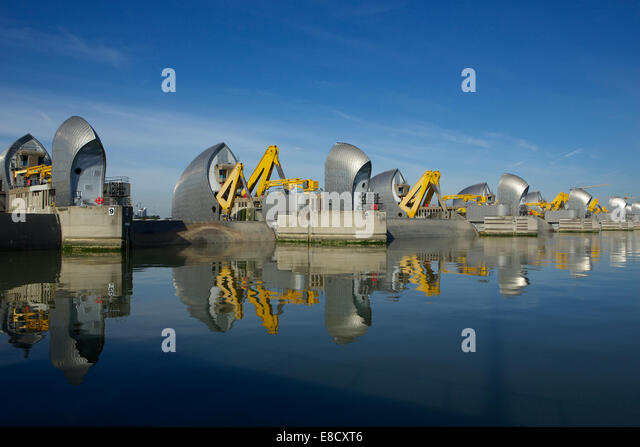 Woolwich, London, UK. 5th October, 2014. The Thames Barrier annual closure  and 30th anniversary since opening on - Stock-Bilder