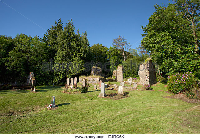 The ruins of Saddell Abbey visible in the graveyard at Saddell, Kintyre, Argyll, Scotland. - Stock Image