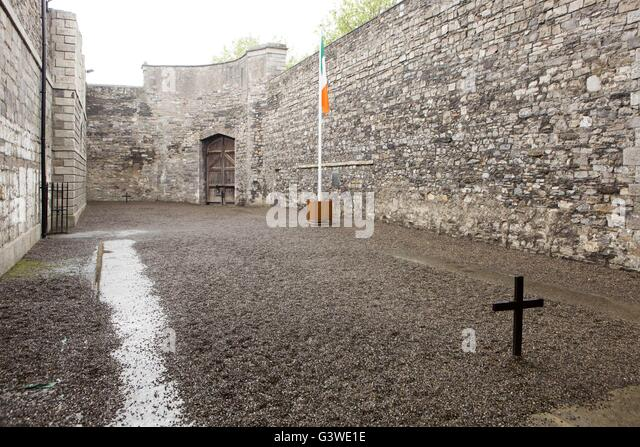 Kilmainham Gaol , Kilmainham, Dublin, Ireland. Courtyard where members of the Easter rising were executed by firing - Stock Image