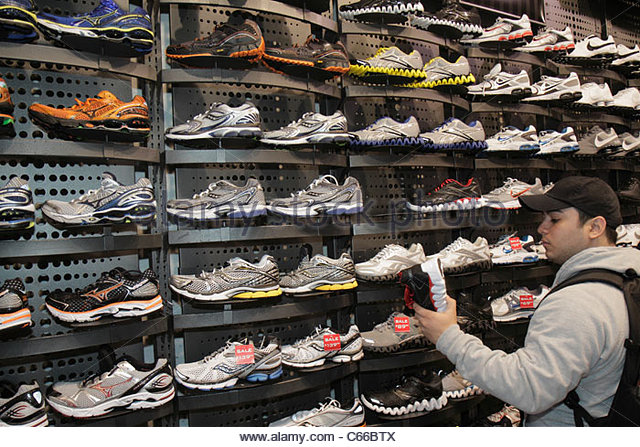 business model of foot locker Strategic analysis of foot locker, inc  the five forces in porter's model when looking at the sports apparel and footwear industry, .