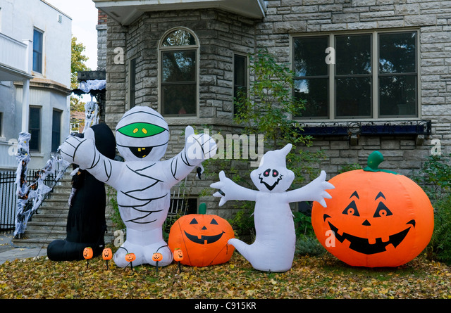 Halloween decorations house stock photos halloween decorations house stock images alamy - Halloween decorations toronto ...