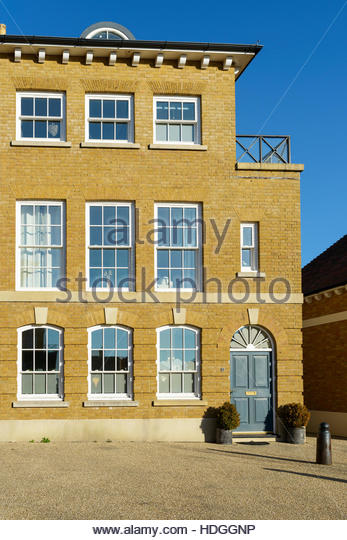 Three storey terraced houses stock photos three storey for 3 storey terrace house